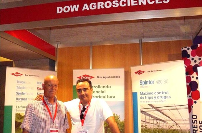 Juan Manuel Romero y Daniel Giraldo, delegado de ventas de DOW Agrosciences.