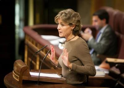 La ministra abordó la problemática del sector lácteo durante su intervención en el Pleno del Congreso.