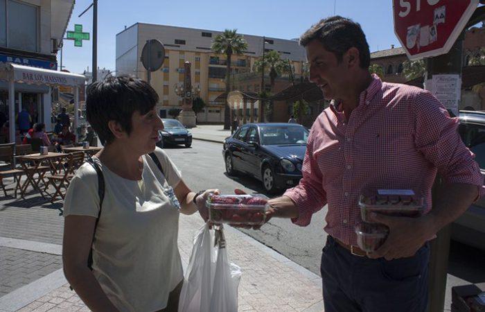 El presidente de la Plataforma de Regadíos del Condado de Huelva, Cristóbal Picón ha participado en la acción de protesta.