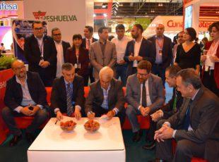 Freshuelva firma un convenio de colaboración con la Asociación de Productores de Chile para intercambiar experiencias
