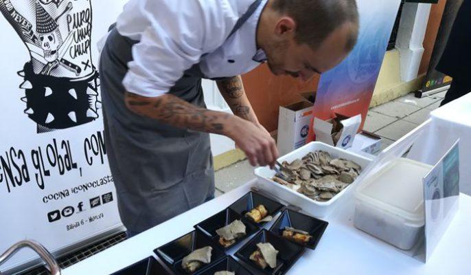 'Puro Chup Chup'nha elaborado la receta 'Canelón de col y setas del Andévalo con lengua con nueces y olores'.