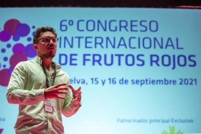 El dietista-nutricionista onubense Carlos Ríos ha sido el encargado de ofrecer la conferencia inaugural.